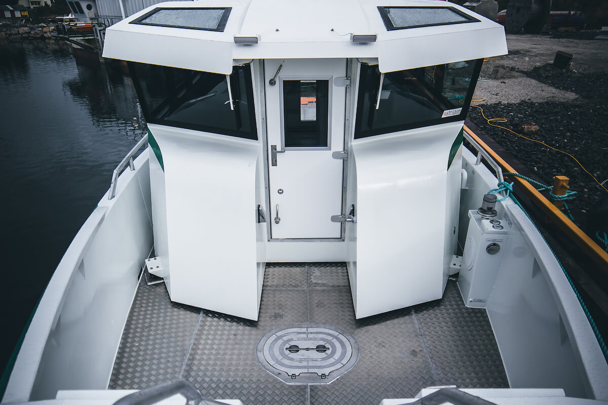 1300-Car4