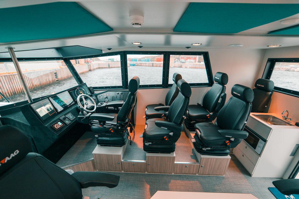 1300-Car6